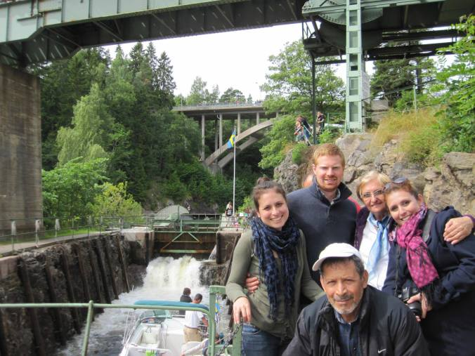 Famiage em visita ao aquaduto de Håverud